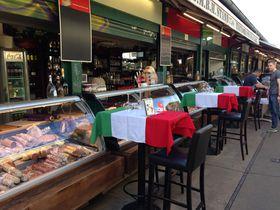 ウィーンのでっかい台所「ナッシュマルクト」は市場・ザ・インターナショナル