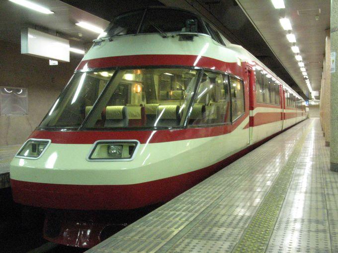 今は特急「ゆけむり」号として長野駅と温泉地の湯田中駅を結んでいます。