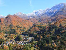 人々の暮らしと山々が織りなす信越の秘境。紅葉も美しい秋山郷へ|長野県|トラベルjp<たびねす>