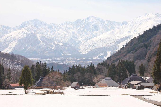 郷愁誘う山里の集落と北アルプスが美しい青鬼