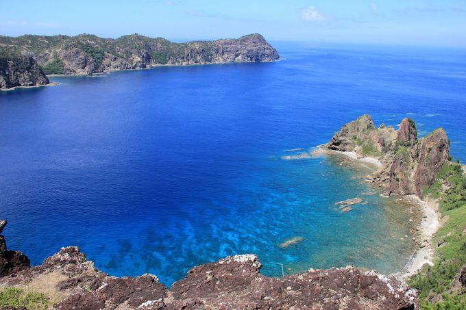 ボニンブルーの海と断崖の絶景 長崎展望台