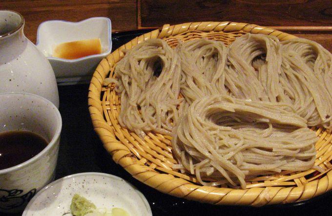 長野に来たらまずはお蕎麦!と言う方に。戸隠蕎麦が手軽に味わえる長野駅近くの「そば処ぼっち」