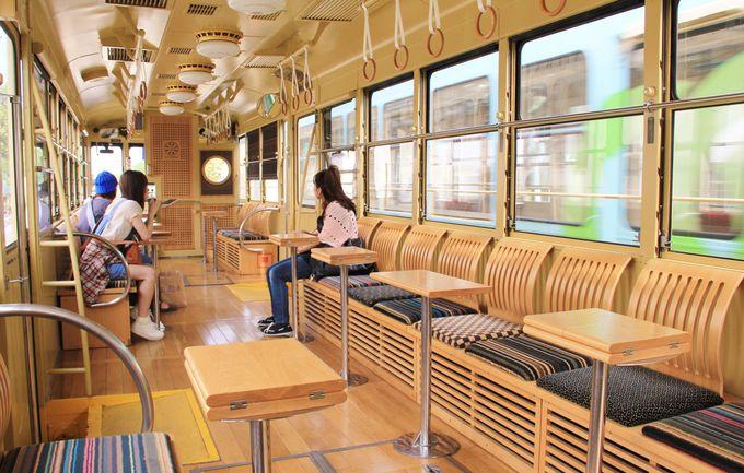 あの豪華寝台列車ななつ星を手掛けた、水戸岡氏デザインのレトロでモダンな路面電車