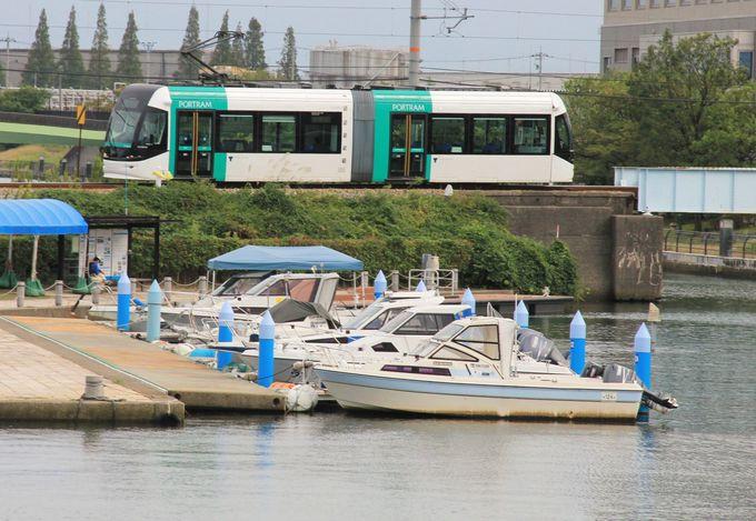 運河クルーズとあわせて楽しむ路面電車のミニトリップ