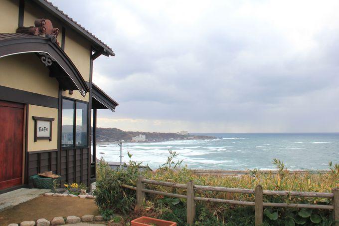 散策の途中で是非立ち寄りたい。日本海の見えるカフェ、京町茶屋