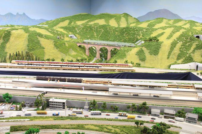 鉄道模型の演出運転や遊覧鉄道等のアトラクションも豊富