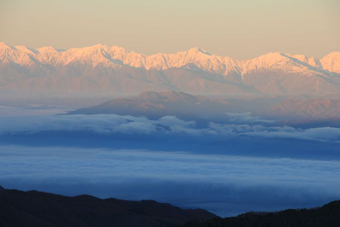 横手山頂から日本海側と関東側の両方向の眺望を満喫