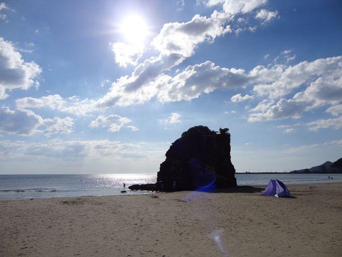 その昔国譲りが行われ、現在は神様のお出迎えをする稲佐の浜