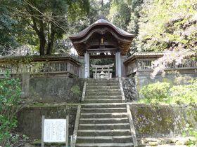 松江藩主菩提寺は美しい廟門が見事!大亀伝説残る「月照寺」へ