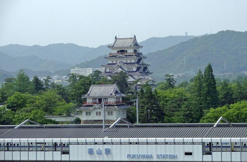 名所・鞆の浦とあわせて行きたい!広島の名城・福山城