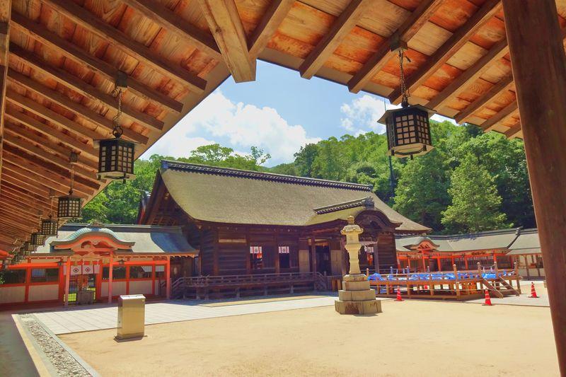 しまなみ海道で海の守護神・大山祇神社の美と自然の神秘に出会う