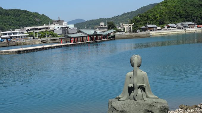 北の端まで行って南下して・・大山祇神社一の鳥居と鶴姫像へ