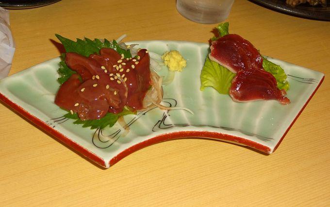 「宮崎つうせん」は、ランチはお得な定食から夜は居酒屋メニュー