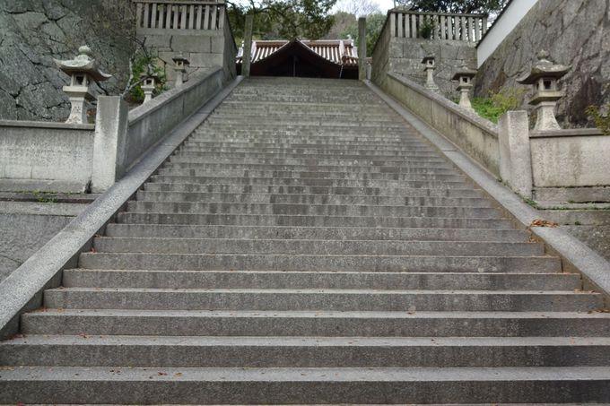 『転校生』で二人が入れ替わった階段はここ!「御袖天満宮」