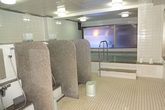 最上階13階の大浴場で、夜景も見ながらゆったりバスタイム♪
