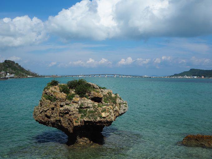 車で気軽に行ける神話の島!海岸には不思議な岩も[浜比嘉島]