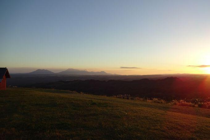 遠く阿蘇五岳を眺める・・部屋から見える夕景