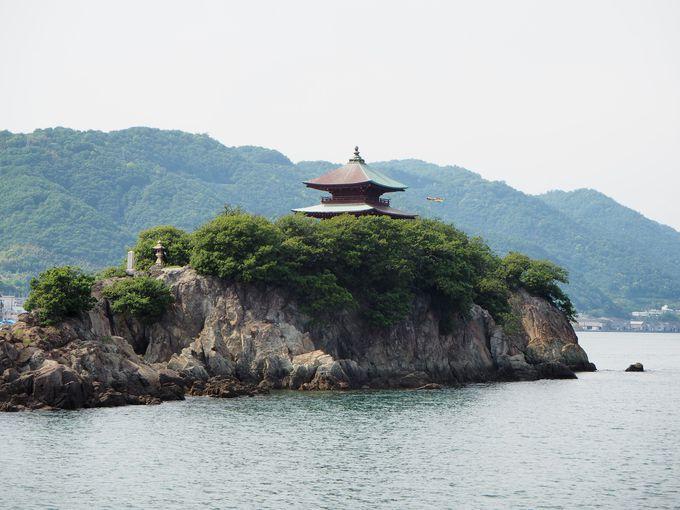 観光鯛網の観覧が終えると海から仙酔島や弁天島を見ながら鞆港へ