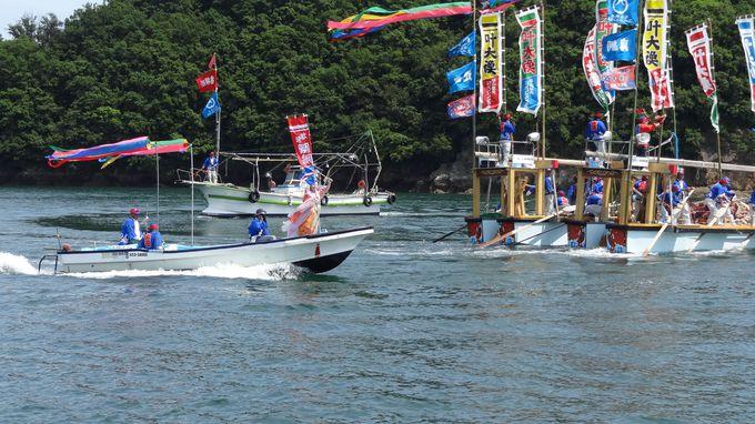 鯛網の厳粛な儀式をじっくり楽しみ、観覧船へ乗り込む!