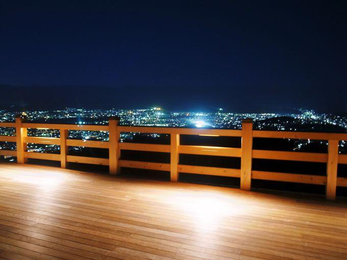 青不動御開帳と夜間ライトアップは幻想的!
