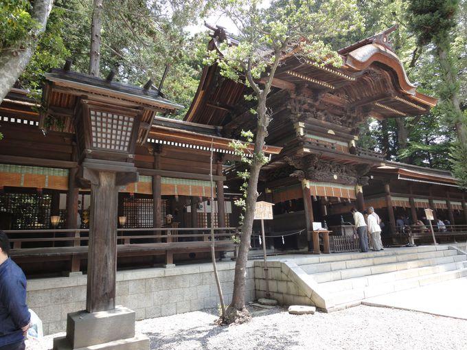 秋宮の拝殿も、国の重要文化財!