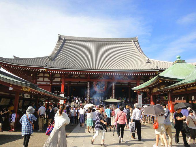 いつも賑わっている「浅草寺」観音堂(ご本堂)