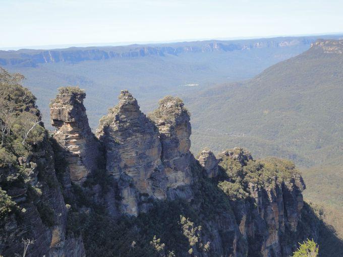 伝説の奇岩「スリーシスターズ」