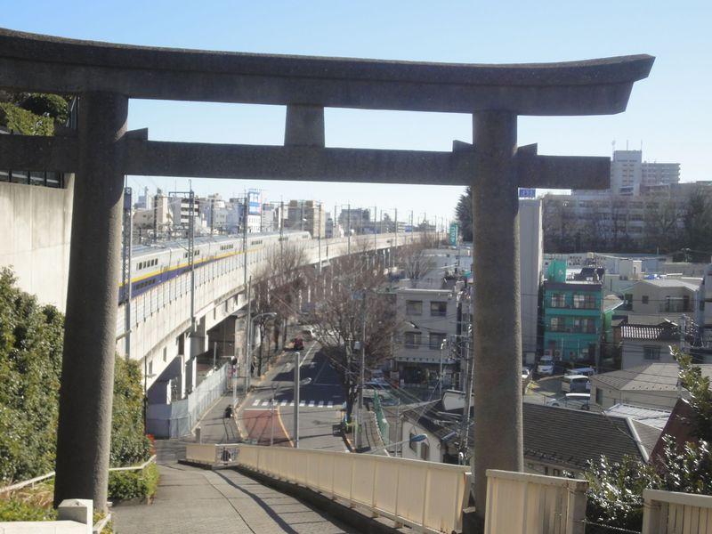 関ジャニ∞ファン&鉄道好きも!「赤羽八幡神社」の魅力とは?