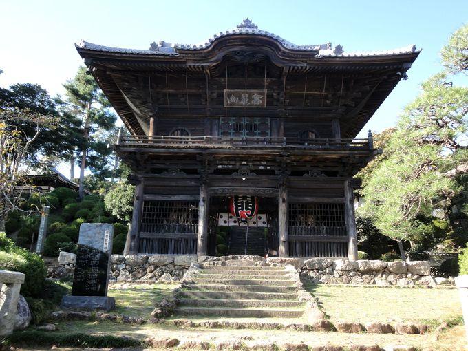 江戸時代後期に建立された「山門」