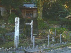 丹那断層公園だけじゃない!静岡「火雷神社」は断層のズレを体感できるレアなスポット|静岡県|トラベルjp<たびねす>