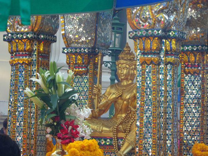 タイで最もご利益がある!? あらゆる願いを叶えてくれると評判の「エラワン・プーム」