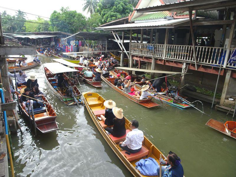 値引き交渉は必須よ!タイ「ダムヌンサドアク水上マーケット」を満喫するポイント4つ