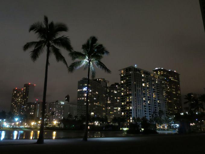 超!素敵な夜のデューク・カハナモクビーチ