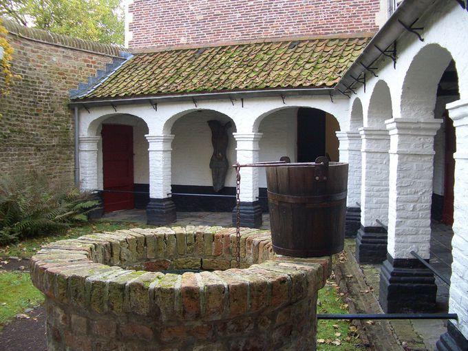 ベギン会修道院の博物館と教会