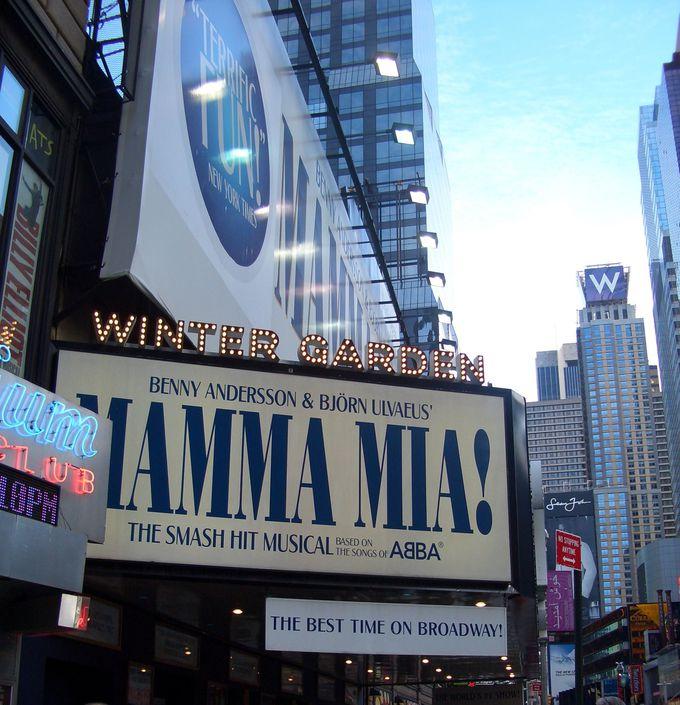 笑いと涙の人情喜劇・歌とダンスが最高!『マンマ・ミーア』