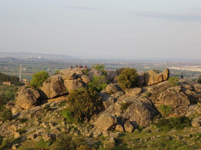 穴場!トレドの町を一望できる巨石群