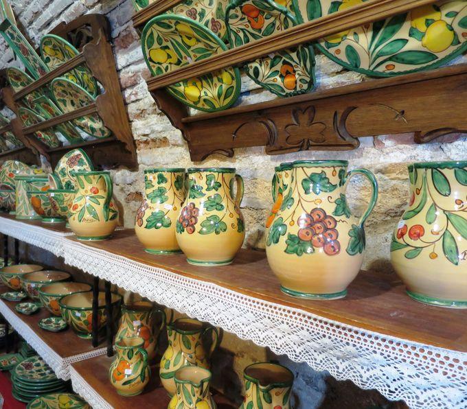 「Cerámica J Serrano」の陶器は素敵なモチーフがたくさん!