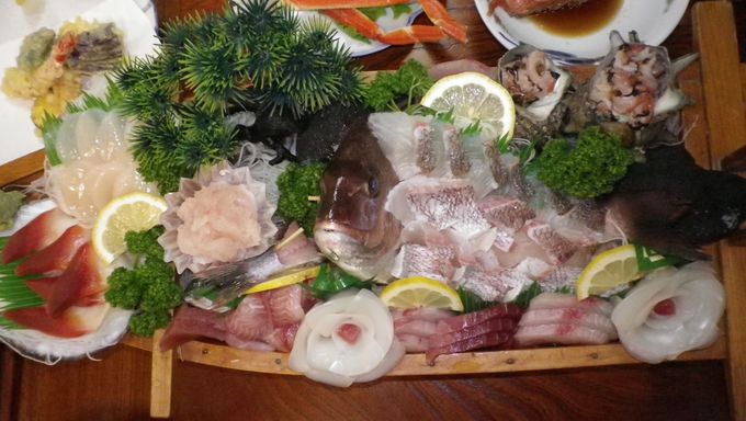 贅沢な海の幸と手作り料理を堪能