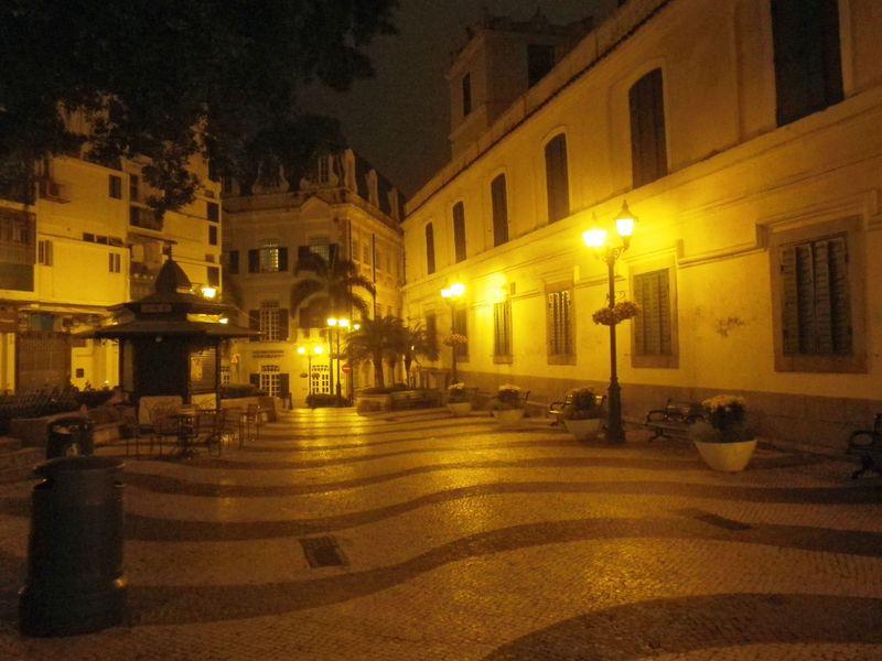 マカオの夜の世界遺産はノスタルジー!夜散策のススメ