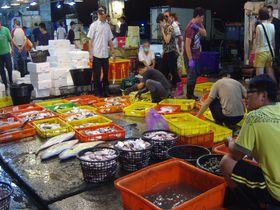 台湾の魚市場&朝市巡りなら台南・安平「魚市場」「公有市場」へ!