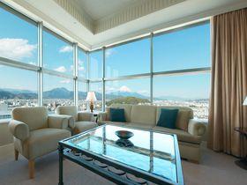 まるで空中散歩!「ホテルセンチュリー静岡」富士山と共に星空で眠る
