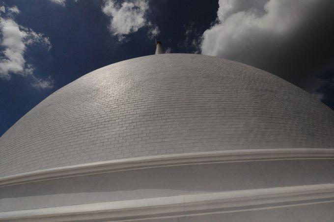 絶景スポット!スリランカの大地を360度見渡せる「マハーサーヤ大塔」