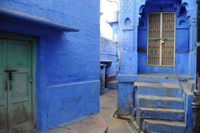 一番青い場所を探せ!ブルーシティーハンティング。