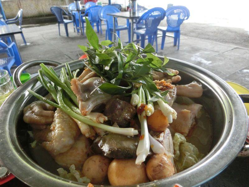 レストランにはない味!ベトナムで食べる食堂グルメ5選