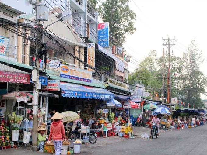 ショッピングエリアはサム山の玄関口