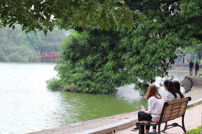 4.ホアンキエム湖