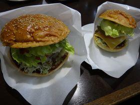 アメリカンサイズの十勝バーガーに挑戦!北海道・足寄で美味しいもの巡り|北海道|トラベルjp<たびねす>