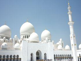 豪華絢爛!アブダビの「シェイク・ザイード・グランド・モスク」