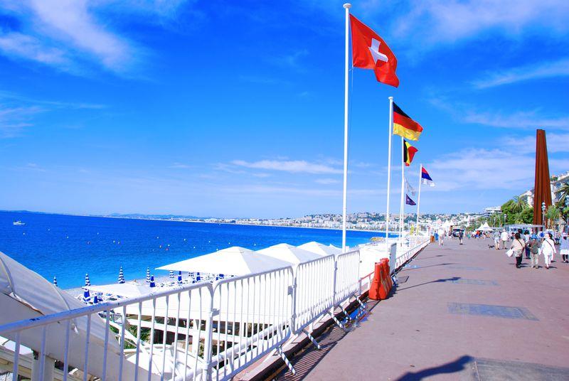 7kmにも渡る絶景ビーチ!紺碧海岸・南仏ニースで地中海バカンスを