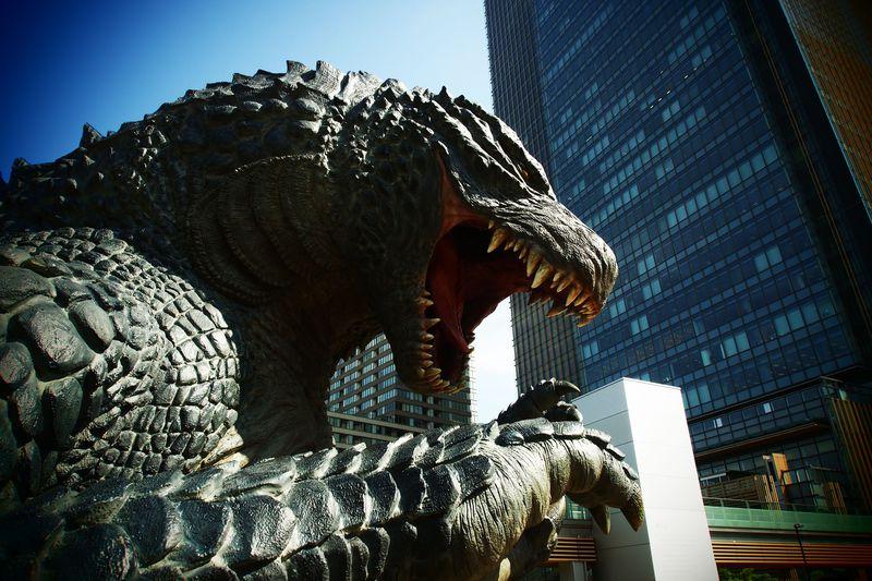六本木をゴジラが襲撃!? 東京ミッドタウンへ急行せよ!